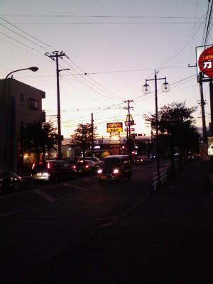 バス停からの景色SUMIYA ガスト マクドがかたまっています。