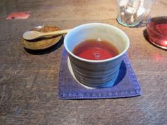 岳中さんの作品でお茶をいただきました。