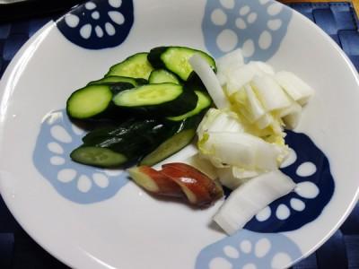 きゅうりと白菜とみょうが