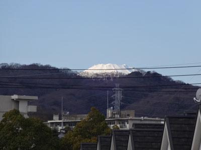 電線越しの富士山