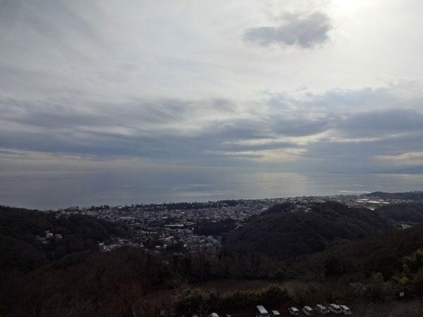 海は広いな大きいな 空もね